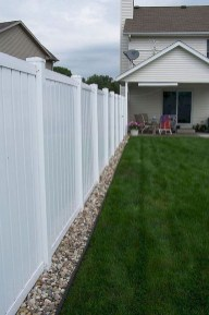 Beautiful Garden Fence Decorating Ideas To Follow 05