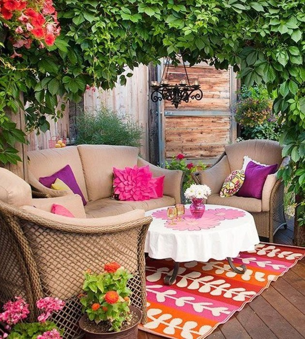 Comfy Spring Backyard Ideas With A Seating Area That Make You Feel Relax 11