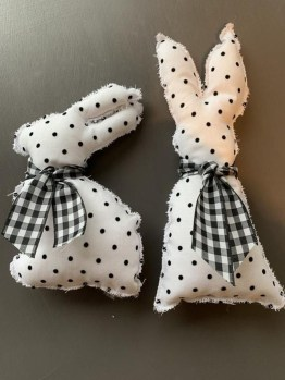 Cute Easter Bunny Decorations Ideas For Your Inspiration 44