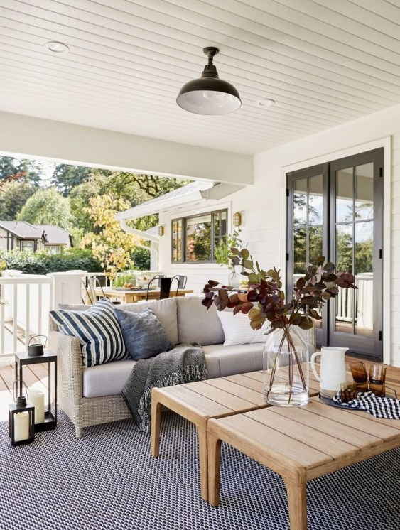 Favorite Outdoor Rooms Ideas To Upgrade Your Outdoor Space 41