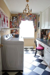 Inspiring Laundry Room Design With French Country Style 31