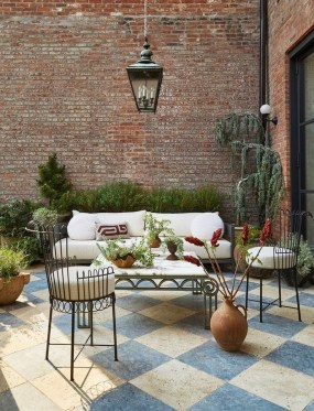 Luxury Garden Furniture Ideas To Enjoy Your Spring Backyard 44