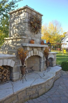 Marvelous Backyard Fireplace Ideas To Beautify Your Outdoor Decor 17