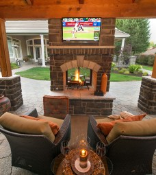 Marvelous Backyard Fireplace Ideas To Beautify Your Outdoor Decor 20