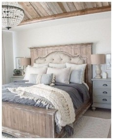 Perfect Choices Of Furniture For A Farmhouse Bedroom 03