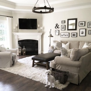 Popular Ways To Efficiently Arrange Furniture For Small Living Room 20