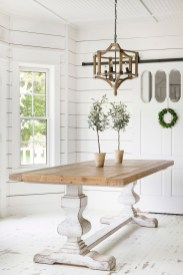 Rustic Farmhouse Table Ideas To Use In The Decor 39