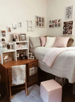 Splendid Dorm Room Ideas To Tare Room Decor To The Next Level 17
