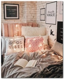 Splendid Dorm Room Ideas To Tare Room Decor To The Next Level 19