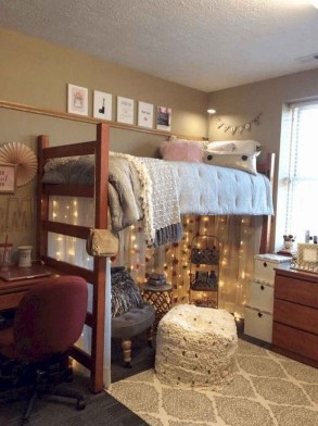 Splendid Dorm Room Ideas To Tare Room Decor To The Next Level 35