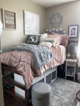 Splendid Dorm Room Ideas To Tare Room Decor To The Next Level 38