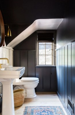 Unordinary Bathroom Design Ideas With Stunning Wood Shades 36