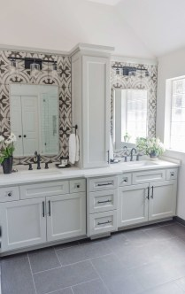Astonishing Bathroom Design Ideas With Amazing Storage 28