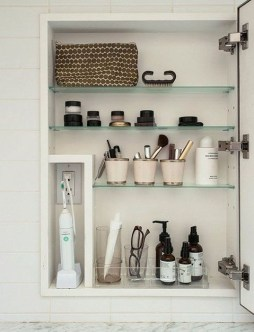 Astonishing Bathroom Design Ideas With Amazing Storage 29