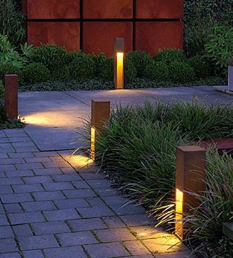 Creative Backyard Lighting Design Ideas That You Should Try 26