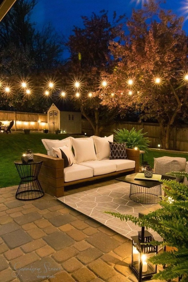 Creative Backyard Lighting Design Ideas That You Should Try 36