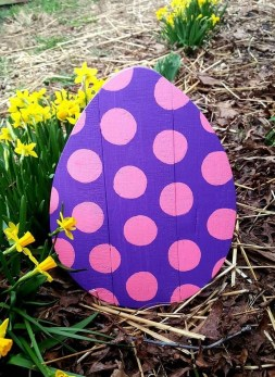 Gorgeous Outdoor Easter Decorations To Bedeck Your House In Style 09