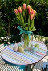 Gorgeous Outdoor Easter Decorations To Bedeck Your House In Style 10