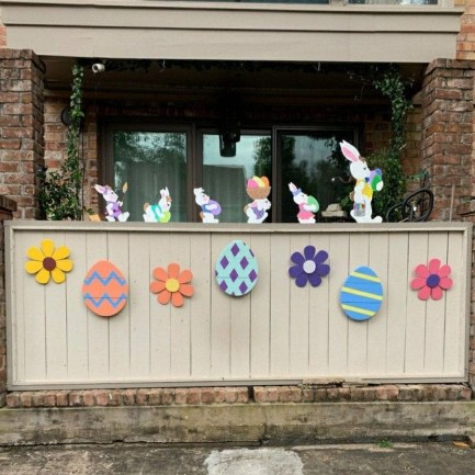 Gorgeous Outdoor Easter Decorations To Bedeck Your House In Style 15