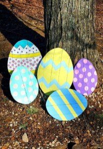 Gorgeous Outdoor Easter Decorations To Bedeck Your House In Style 35