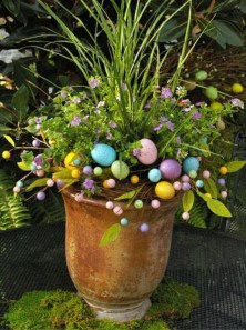 Gorgeous Outdoor Easter Decorations To Bedeck Your House In Style 36