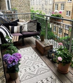 Small Balcony Ideas For A Relaxing Place Get Rid Of Saturation 30