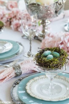 Superb Easter Table Decoration Ideas To Give Your Tablescape A Festive Vibe 01