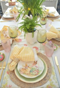 Superb Easter Table Decoration Ideas To Give Your Tablescape A Festive Vibe 52