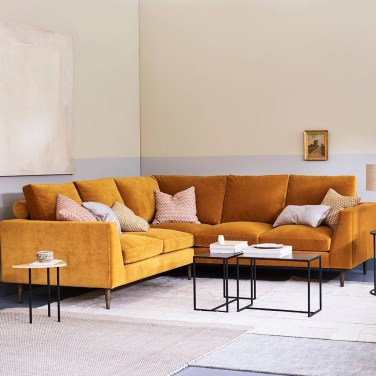 Unusual Corner Sofa Ideas That You Can Apply In The Living Room 28
