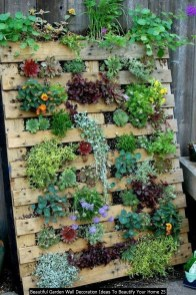 Beautiful Garden Wall Decoration Ideas To Beautify Your Home 25