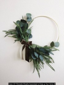 Clever DIY Minimalist Wreaths Guaranteed To Dress Up Your Home 28
