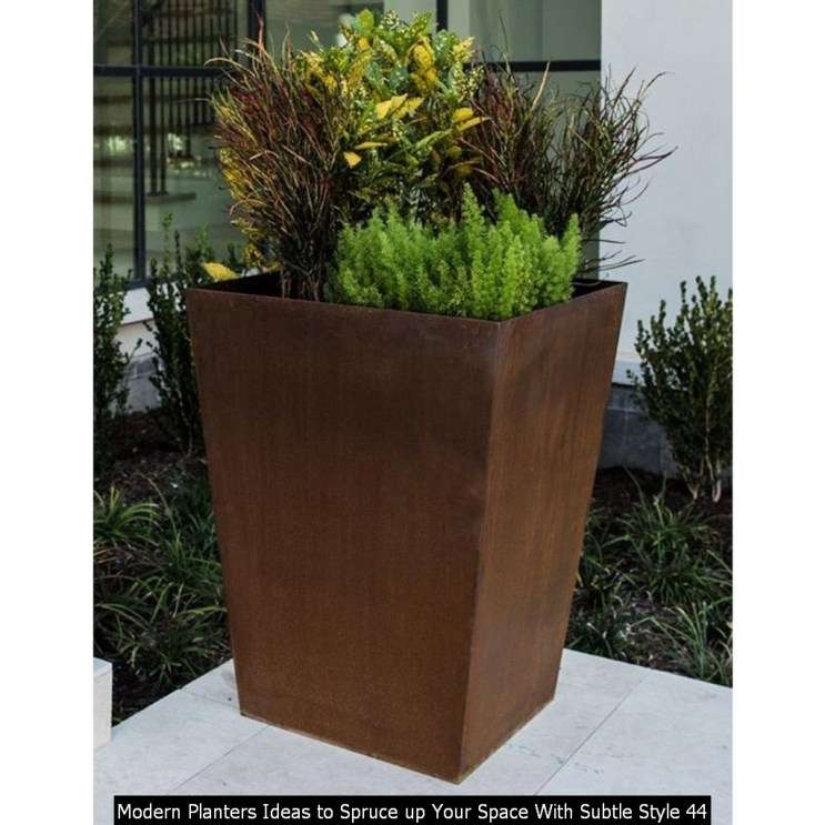 Modern Planters Ideas To Spruce Up Your Space With Subtle Style 44