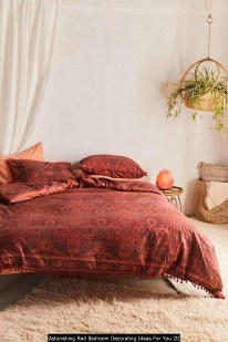 Astonishing Red Bedroom Decorating Ideas For You 20