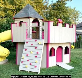 Enjoyable Outdoor Playhouses Ideas To Live Childhood Adventures 39