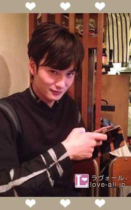 岡田将生 彼氏感写真