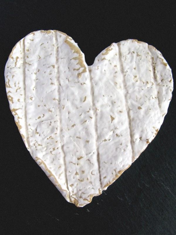 Сыр «Нёшатель» - его форму не спутаешь ни с кем