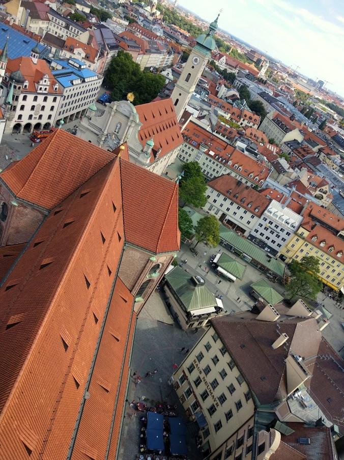Вид на Мюнхен с колокольни церкви Святого Петра