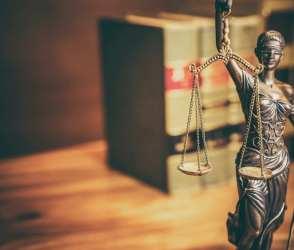 Czym zajmuje się prawnik?