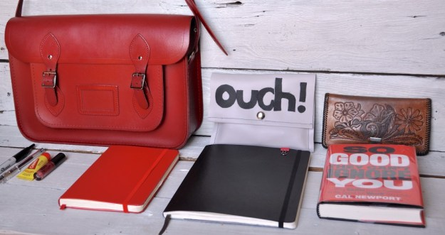 6 Ways to Keep a More Organized Purse