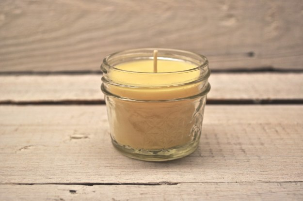 beeswax candle DIY