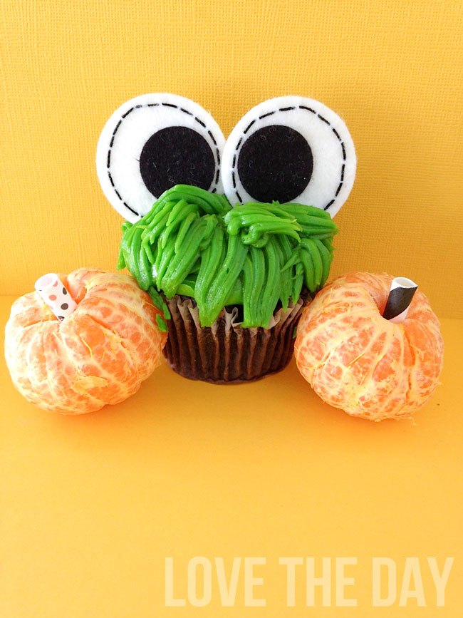 Googly-Eyed Halloween Cupcakes by Sew Love The Day