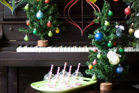 DIY Party Decorations:: The Handmade Holiday Party Hop