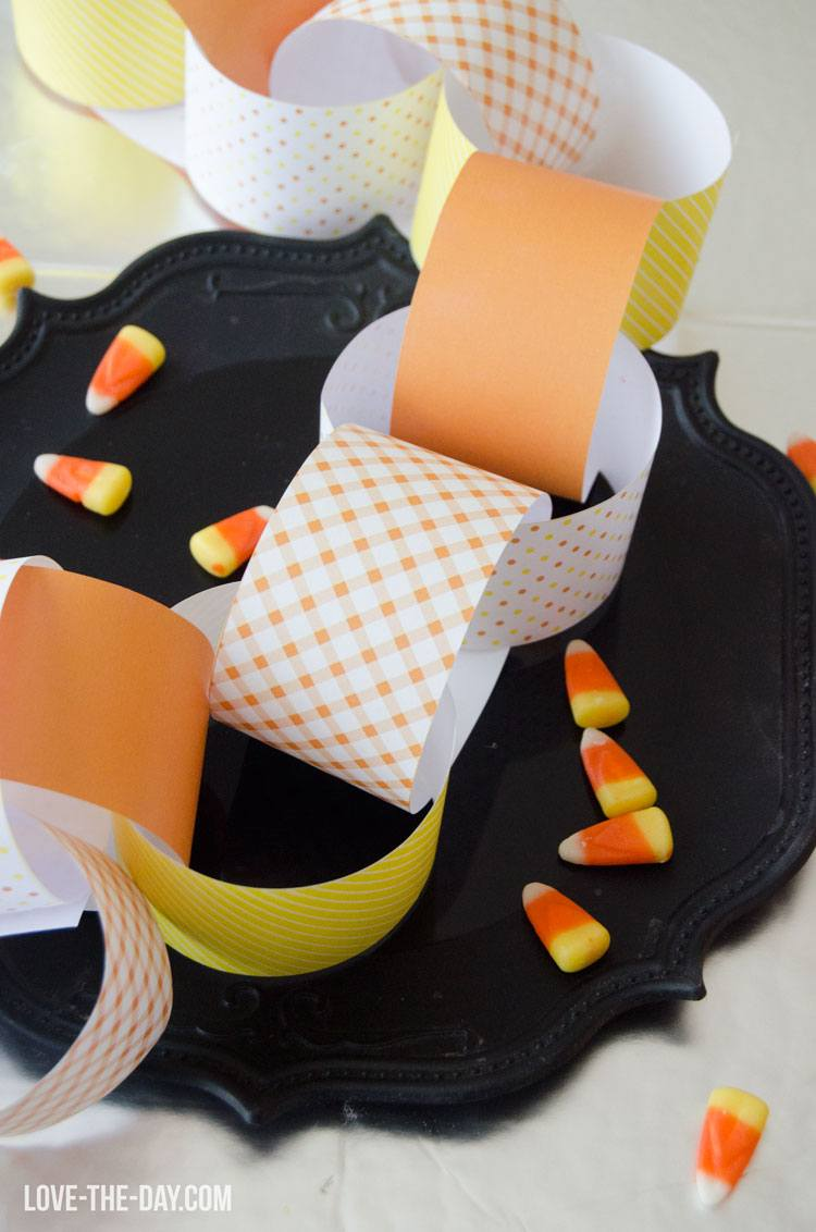 FREE Candy Corn Paper Chain by Love The Day