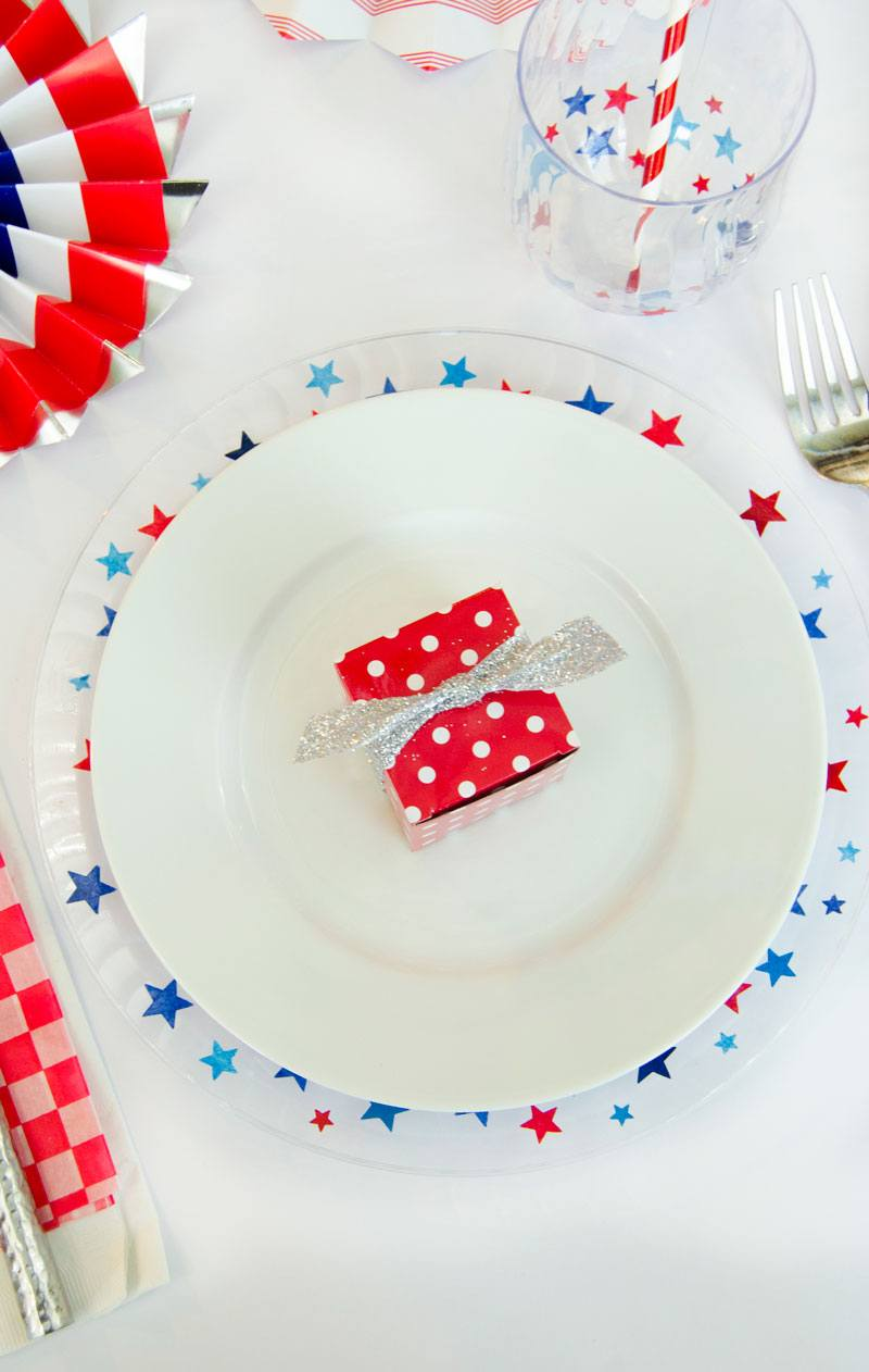 4th of July Table Decorations by Lindi Haws of Love The Day