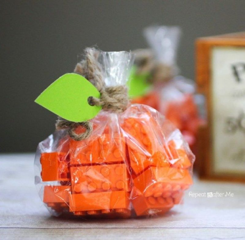 The BEST Halloween Classroom Treat Ideas on Love the Day