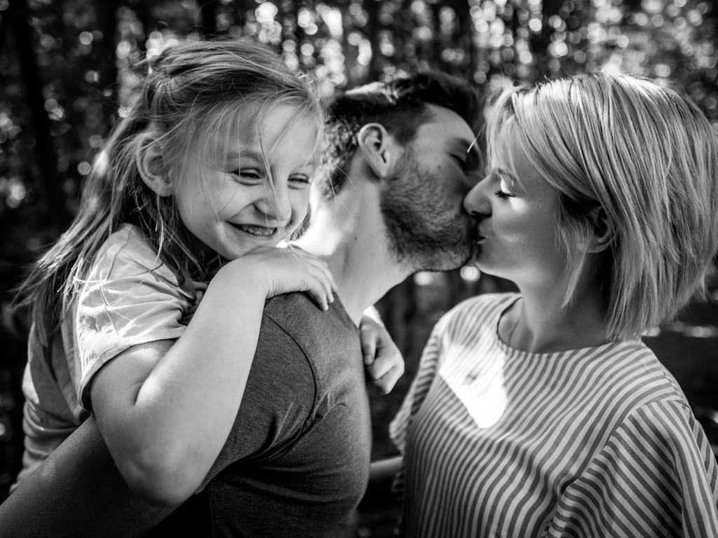familienshooting leipzig familienfotos Glück eines Kindes