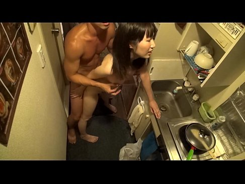 彼氏がいるのにナンパされて簡単にセックスしてる地味カワ美乳ギャルのウラビデライフ/