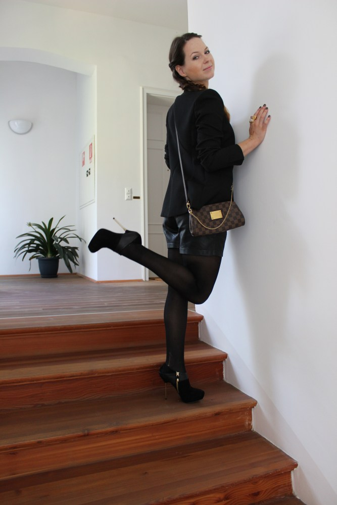 Day-To-Night Outfit [ Leder-Short ] (6/6)