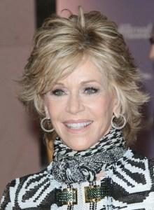 Jane Fonda wearing the layered wings haircut. Again.