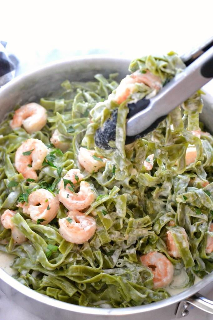 love_and_food_foreva_shrimp_fettuccine_alfredo_scoop